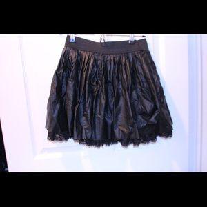Very cute Guess skirt.